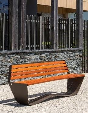 Finition mobilier urbain